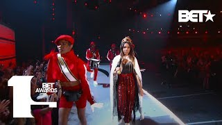 "Host Regina Hall & Sugar Bear Perform ″Do You Know What Time It Is?,″ ″Da Butt″ & ""Run Joe""!"