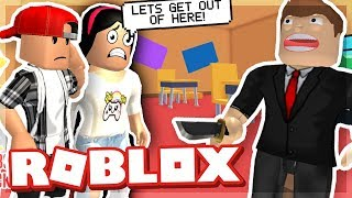 BREAKING OUT OF SCHOOL WITH MY GIRLFRIEND - ROBLOX ESCAPE THE SCHOOL OBBY!