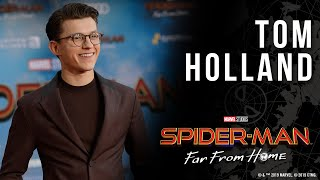Spider-Man star Tom Holland avoids spoilers on the Spider-Man: Far From Home red carpet!