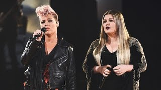 Kelly Clarkson & P!nk ″Everybody Hurts″ LIVE at the 2017 American Music Awards