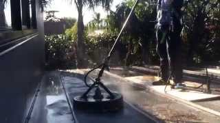 Pressure cleaning a polycarbonate roof, this is how the pros do it