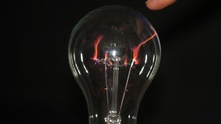 DIY plasma ball from incandescent lamp