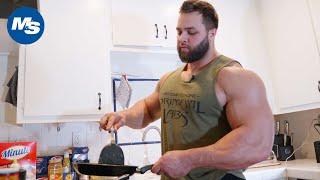 What Bodybuilders Eat for Lunch | Regan Grimes says ″Pasta″