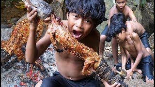 Primitive Technology - Cacth crocodile in water - Cooking eating delicious