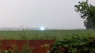 Unique : Super-rare ball lightning moving across Siberian field
