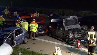 Tödlicher Verkehrsunfall A93 Abensberg - Drama auf A93: Frau stirbt, als sie eine Unglücksstelle sichern will
