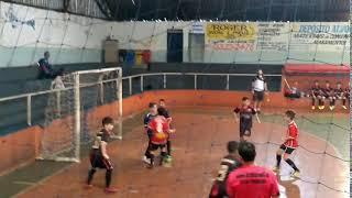 Boa defesa de Murilo Nathan Goleiro do Academia Futsal.