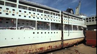 The MSC Armonia gets cut in half and 'stretched'