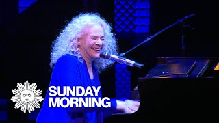 Carole King plays herself in the Broadway musical ″Beautiful″
