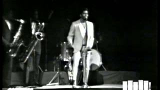 James Brown performs ″That's Life″ at the Boston Garden (Live)