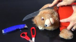 What's inside THE ORIGINAL TEDDY RUXPIN?