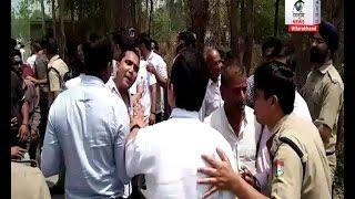 ग्रामीणों ने आबकारी विभाग के कार्यकर्ता को दौड़ा-दौड़ा कर भगाया