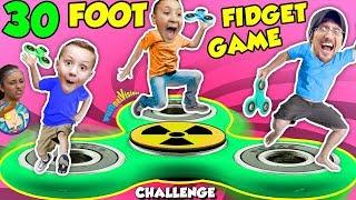 30FT GIANT FIDGET SPINNER GAME! Challenge
