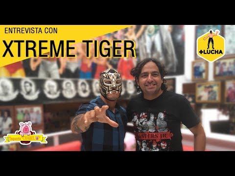 +Lucha con Xtreme Tiger, en Taquería Chabelo (Julio 2019)