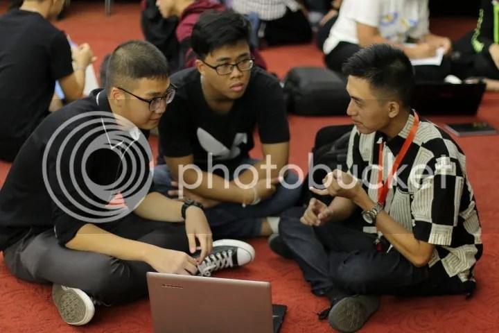 Berkolaborasi dengan siswa dari Malaysia dan Thailand