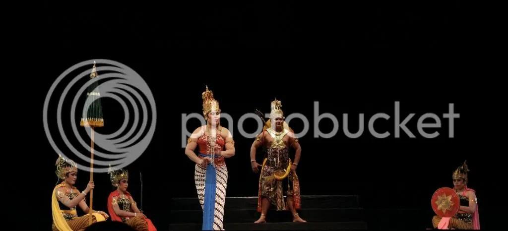 Durga Menggugat