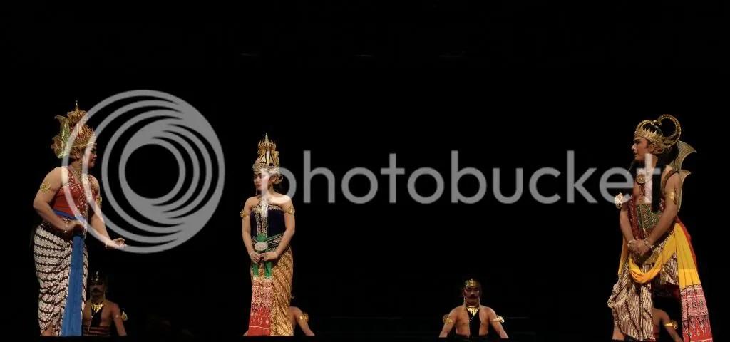 Durga memberikan Supraba