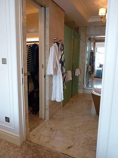 St. Regis Singapore Hotel bathroom
