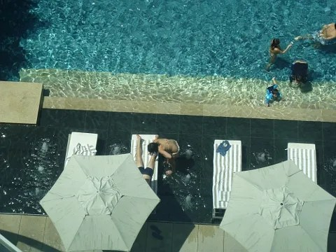 St. Regis Hotel Singapore swimming pool