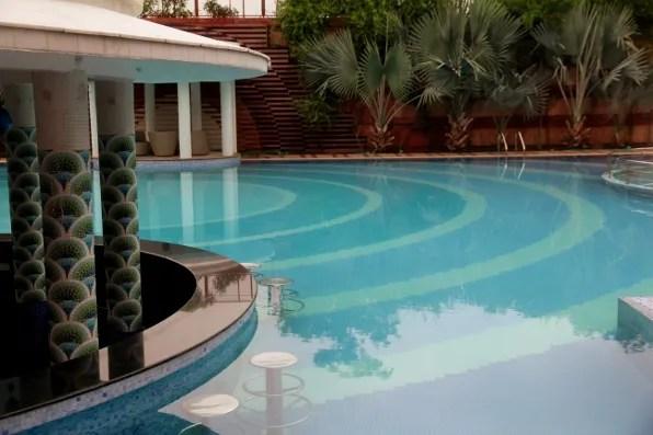 Orient Taj Hotel Agra swimming pool