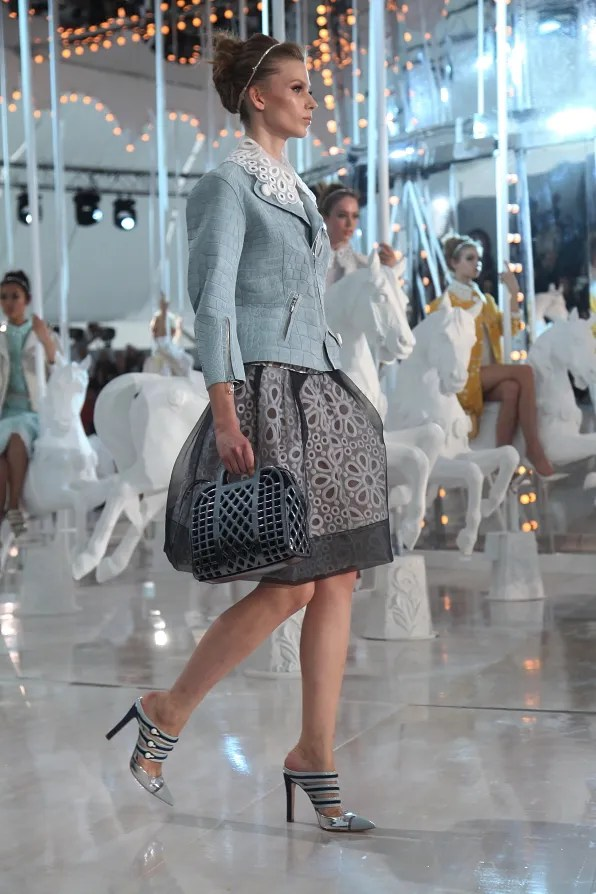 First Look - Louis Vuitton spring summer 2012 fashion show