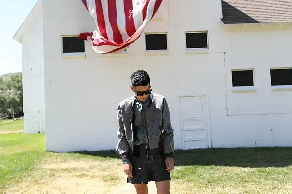 Bryanboy in front of a barnhouse in Utah