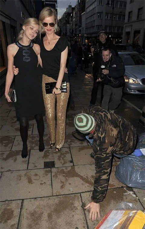 Carmen Kass and Eva Herzigova photo pics in London