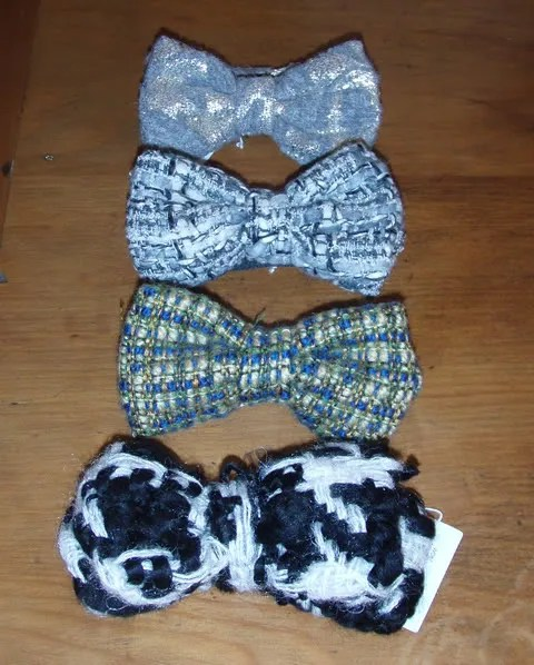 World New Zealand chunky bow ties