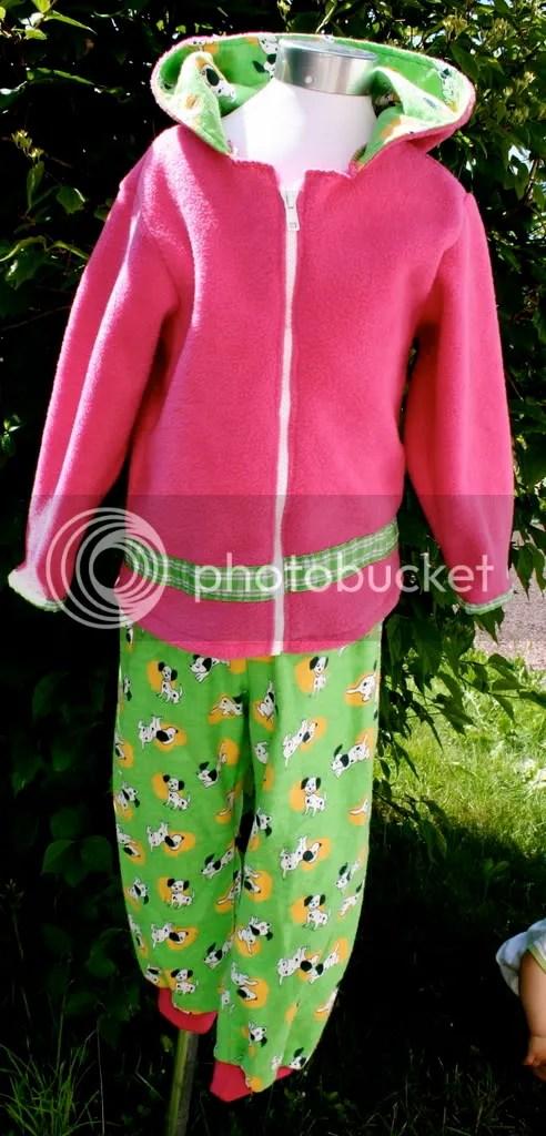 rosa dalmatiner med bukse