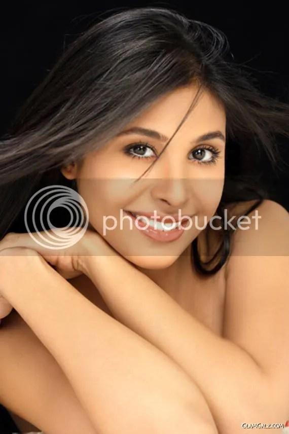 Spicy Tamil Beauty Aadeen Khan