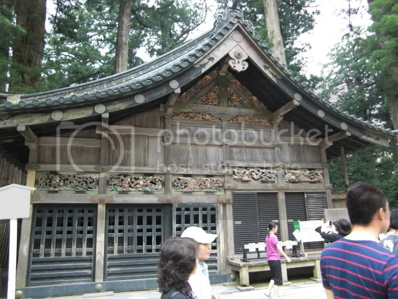 The stable where the monkey carvings are.