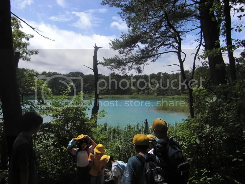 Kirei da!!! I wanted to exclaim with the kids when we found this brilliant turquoise pond