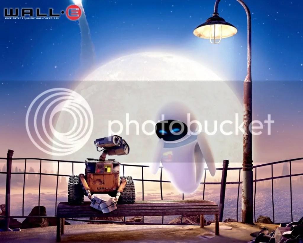 wall-e sedang menunggu eva supaya bisa kembali normal