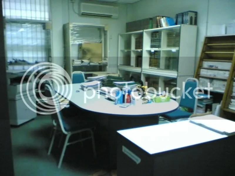 Pusat sumber yang menjadi pejabat sementara..