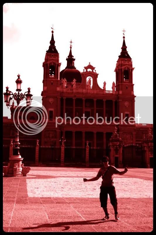 Bailando en el Patio del Palacio Real