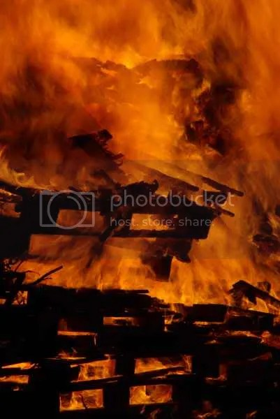 Chislehurst Rotary Fireworks bonfire flames