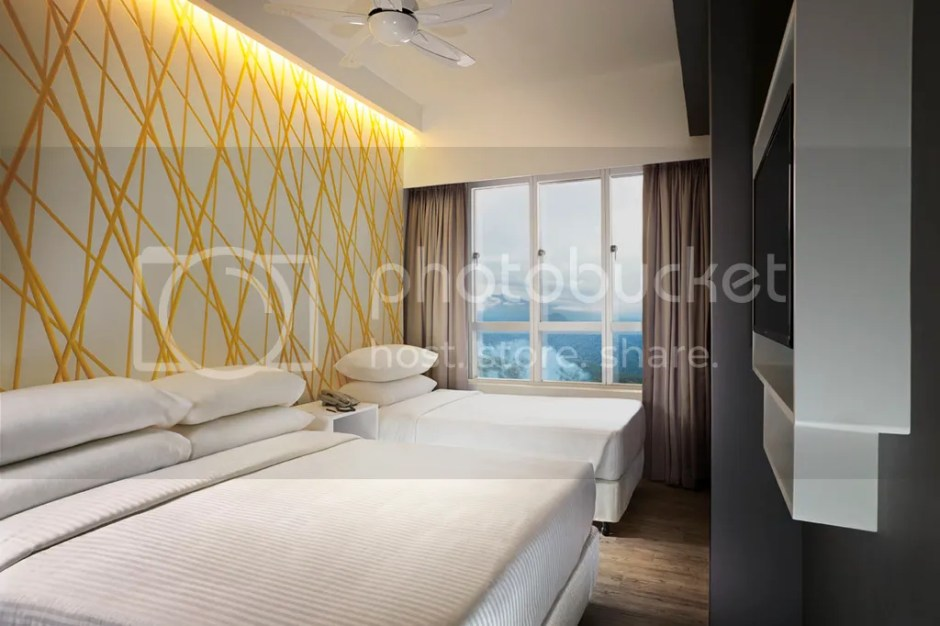 photo First World Hotel Annex Tower XYZ Tripple Deluxe Room_zps4mm9ioml.jpg