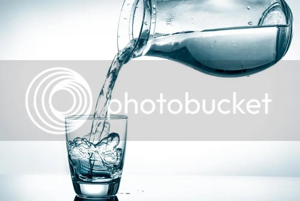 Mencegah Kulit Keriput Bisa Dilakukan Dengan Mencukupi Kebutuhan Air Dalam Tubuh