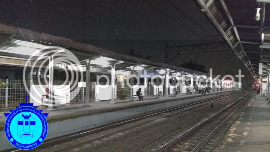 Menikmati Keheningan Malam di Stasiun Buaran (BUA) Lama 1/3 photo 06 MENIKMATI KEHENINGAN MALAM DI STASIUN BUARAN LAMA 1-3_zpszshpaqgt.jpg