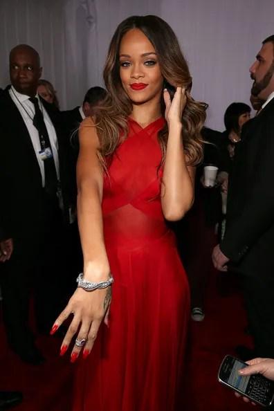 photo Rihanna55thAnnualGRAMMYAwardsRedCarpetVpu_X4d3mPyl_zps22ab2576.jpg