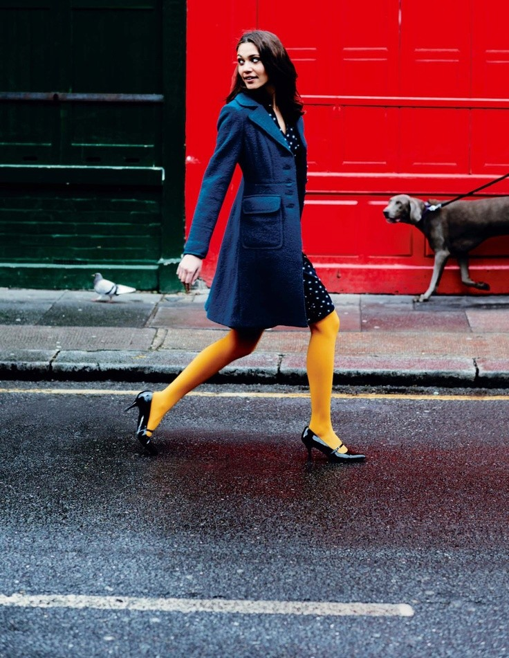 93b0bcb0239ea If your skirt has a pattern, wear plain tights. If the skirt is plain, wear patterned  tights that are of a distinct enough color so they don't blend in with ...