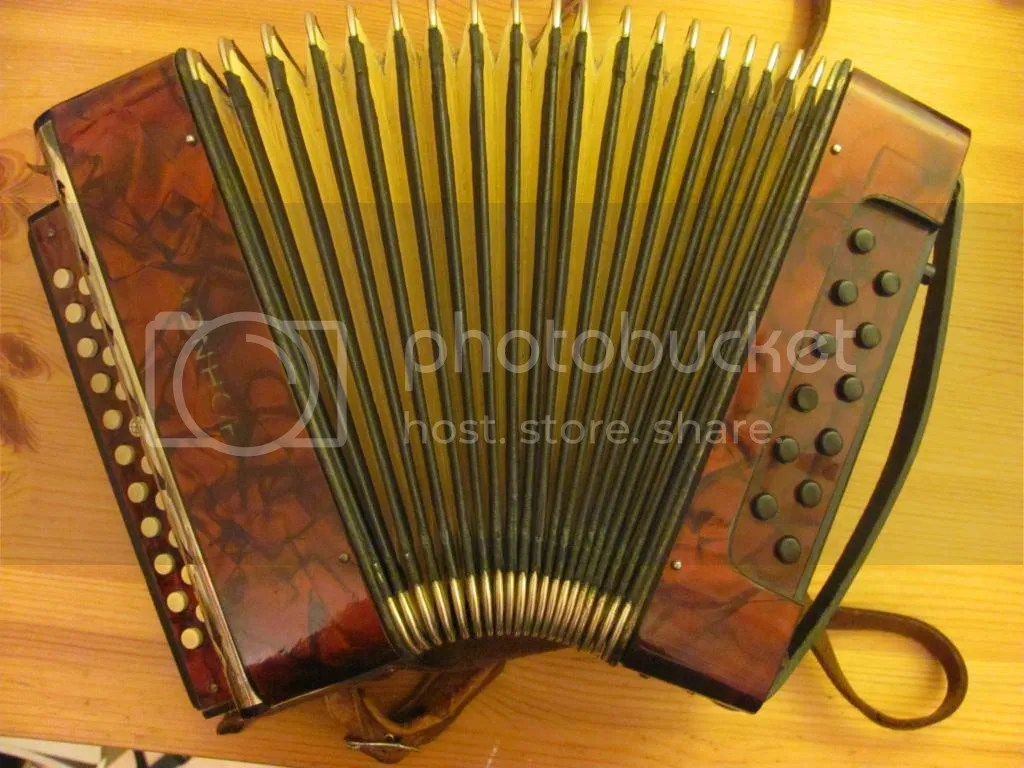Inside and Out Part 5 - The Impiliput - Melodeon Music