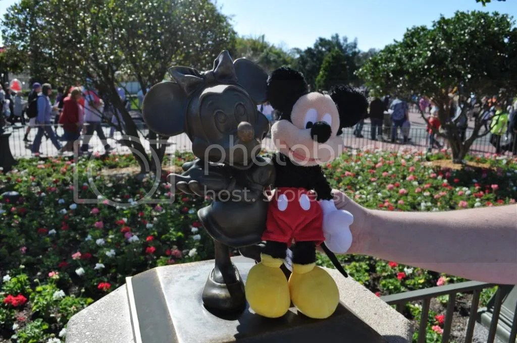 Mickey tries to find a girlfriend