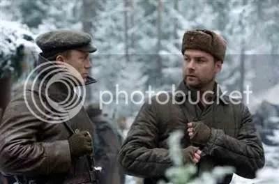Daniel Craig and Liev Schreiber in Defiance
