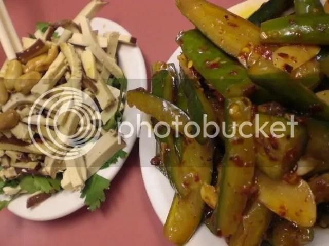 (L to R) 香菜豆干 and 麻辣黃瓜