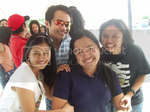 Having fun at enchanted kingdom with Francis, Betsy, Leiz and Lhexie.  Parida na yan, me and Francis is suffering from fever by that time, pero GO pa rin and super ride sa enchanted kingdom