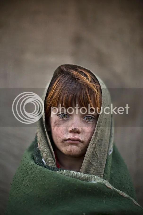 photo afghan-children-refugees-pakistan-muhammed-muheisen-12__605.jpg