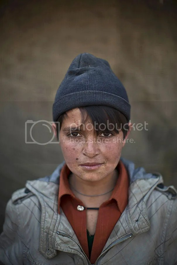 photo afghan-children-refugees-pakistan-muhammed-muheisen-3__605.jpg