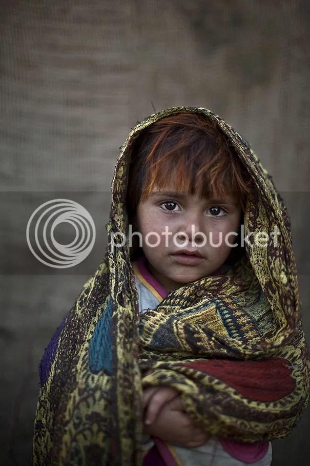 photo afghan-children-refugees-pakistan-muhammed-muheisen-5__605.jpg