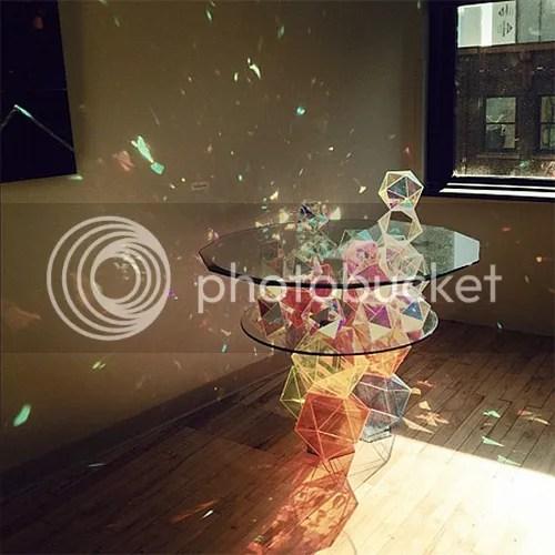 photo sparkletable02.jpg